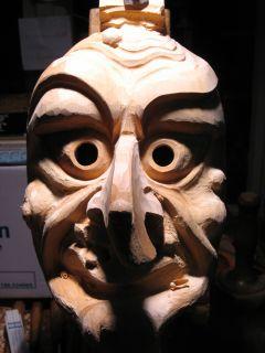 53 Besuch beim Maskenschnitzer 2006